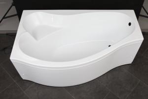 Преимущества эксплуатации акриловых ванн