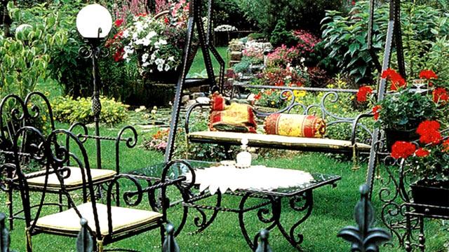 Кованая мебель в ландшафтном дизайне